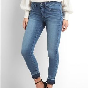 Cropped ankle jean with detailing at ankle